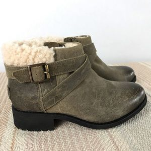 UGG Benson Ankle Boot SZ 6  - NEW